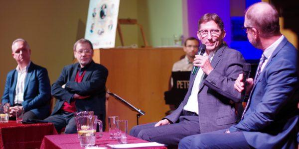 """Profesor Jaroslav Michálek byl hostem pořadu """"S Václavem Žmolíkem nejen o umění"""""""